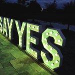 verlichte-letters-say-yes