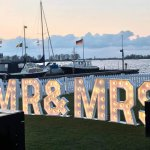 grote mr&mrs-licht letters